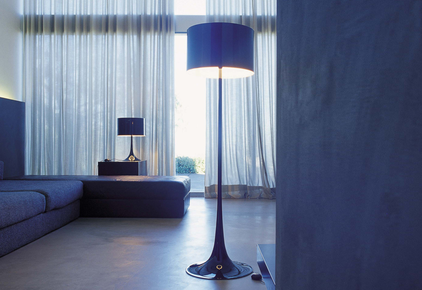 flos spun table lamp buy flos spun light t table lamp black amara