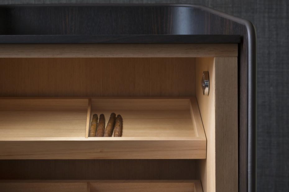 Gentleman cigar storage unit