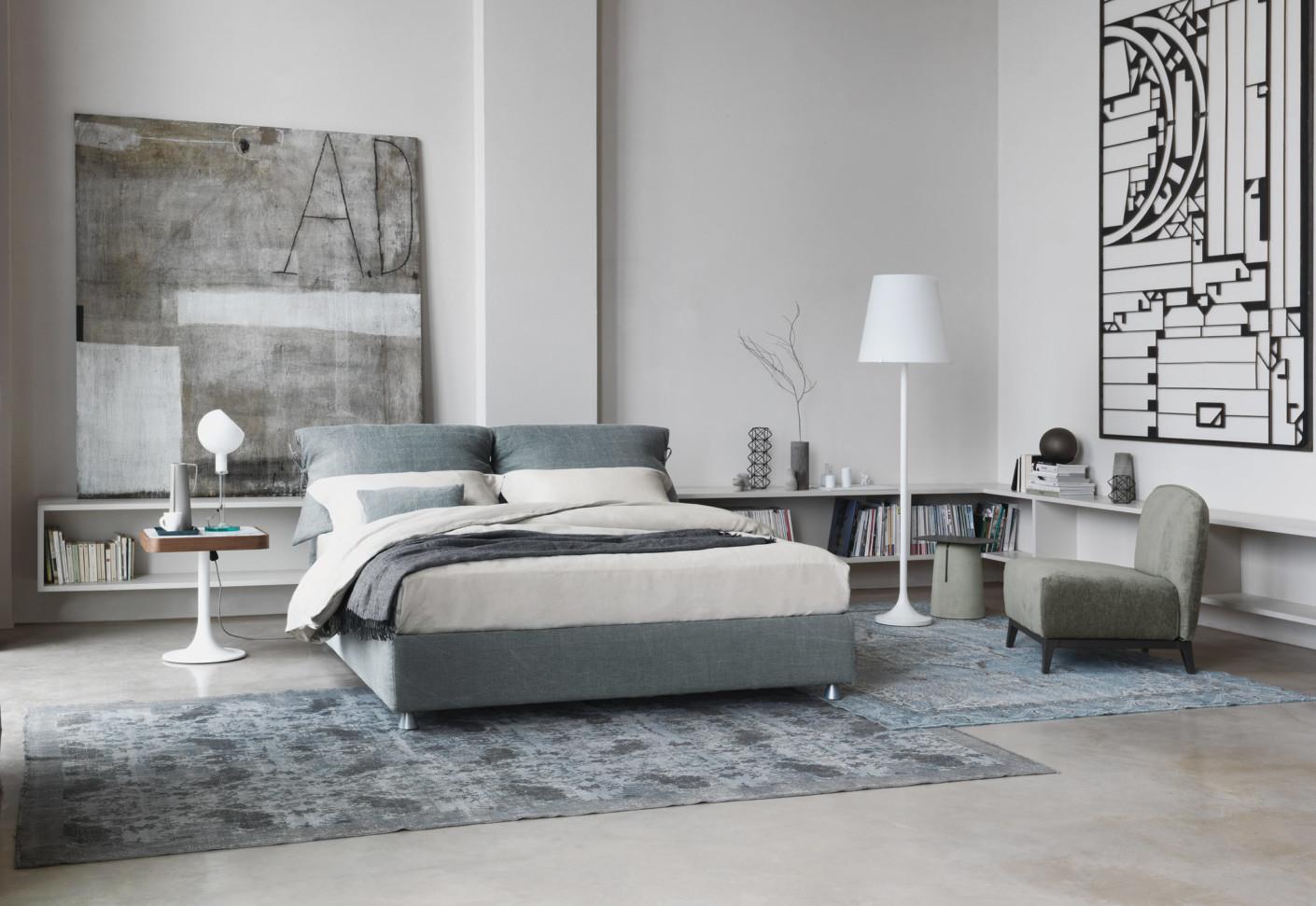 nathalie double bed by flou stylepark. Black Bedroom Furniture Sets. Home Design Ideas