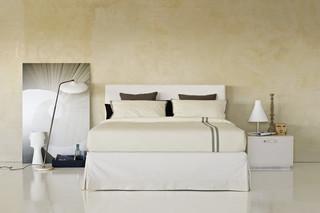 Plaza Doppelbett  von  FLOU