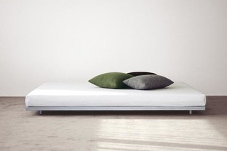 Basic bed  by  fluidum