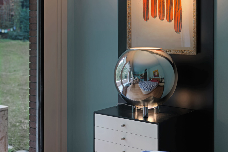 Globo di Luce table lamp