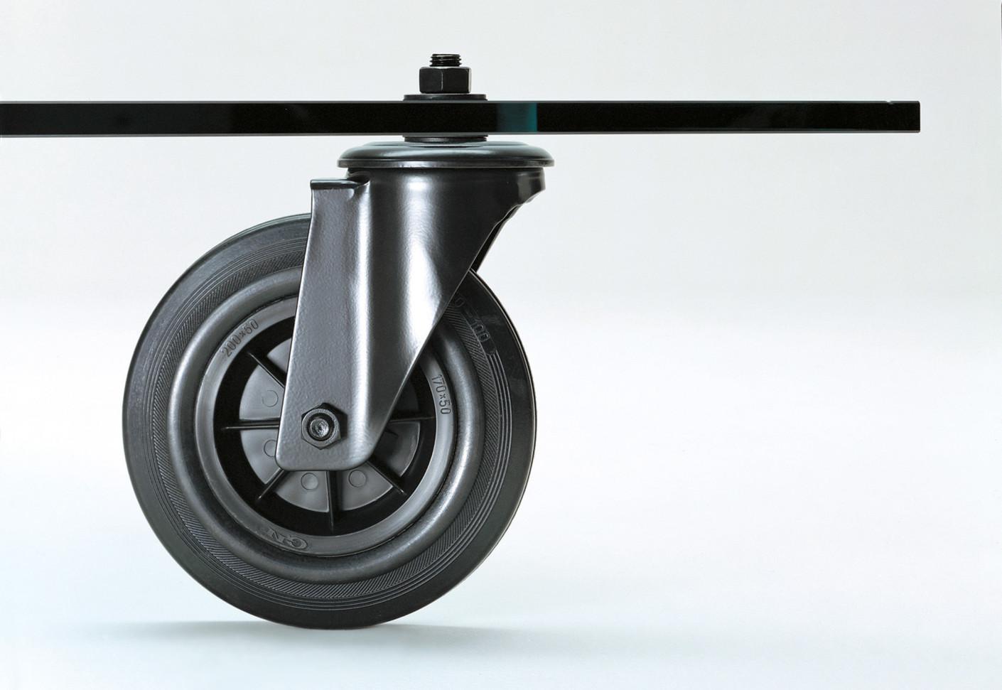 Tavolo con ruote by fontanaarte stylepark - Tavolo con ruote ...