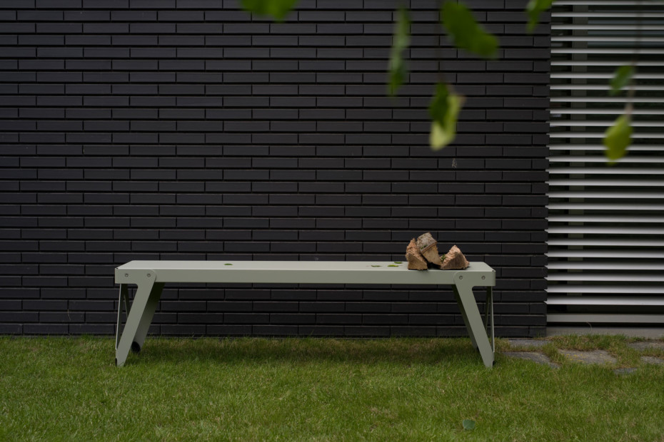 Lloyd bench outdoor