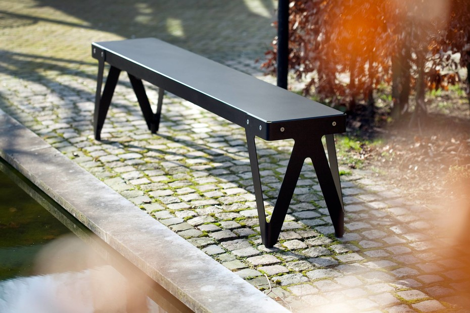 Lloyd bench outdoor