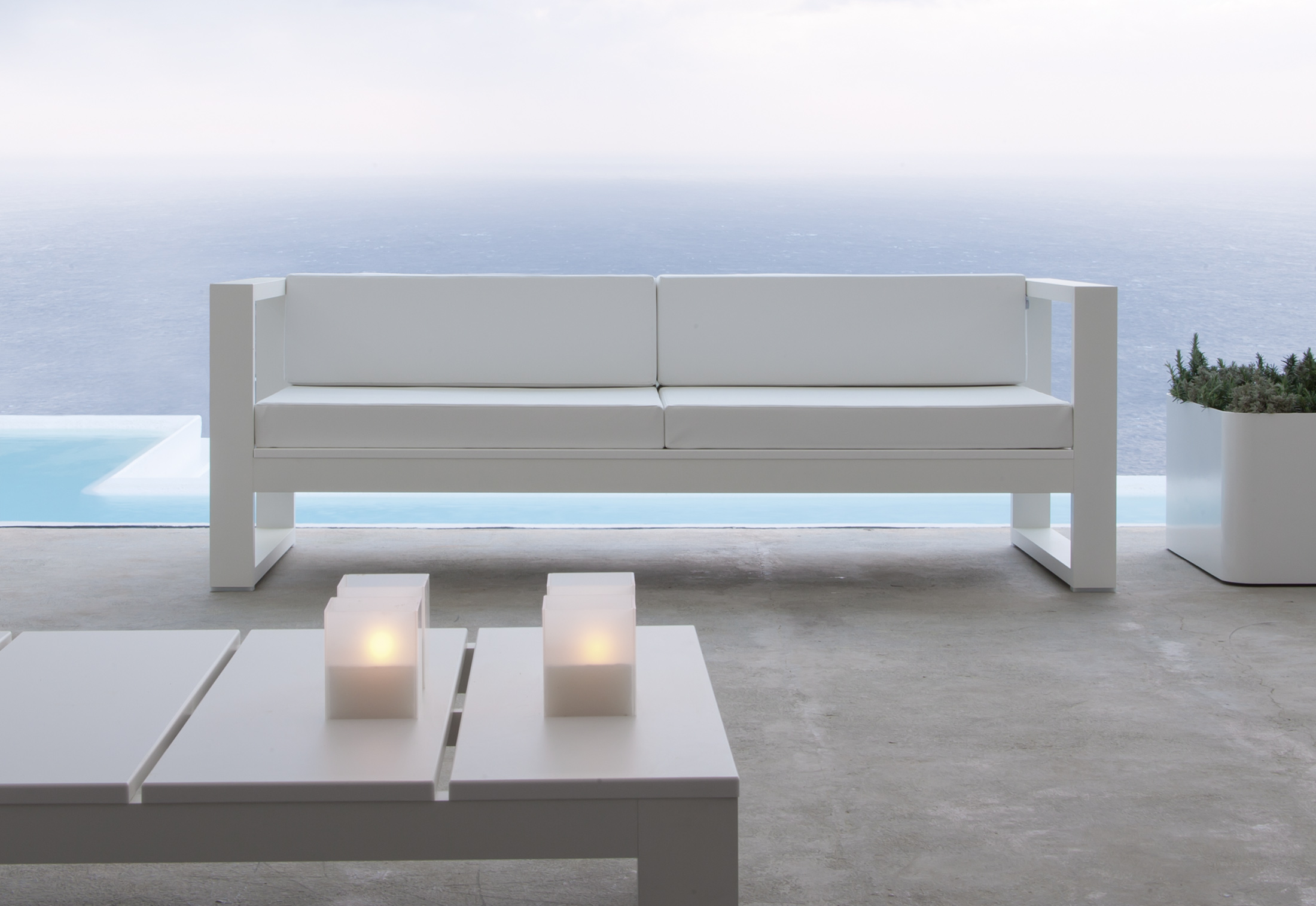 Na xemena sof special edition by gandia blasco stylepark for Muebles exterior aluminio
