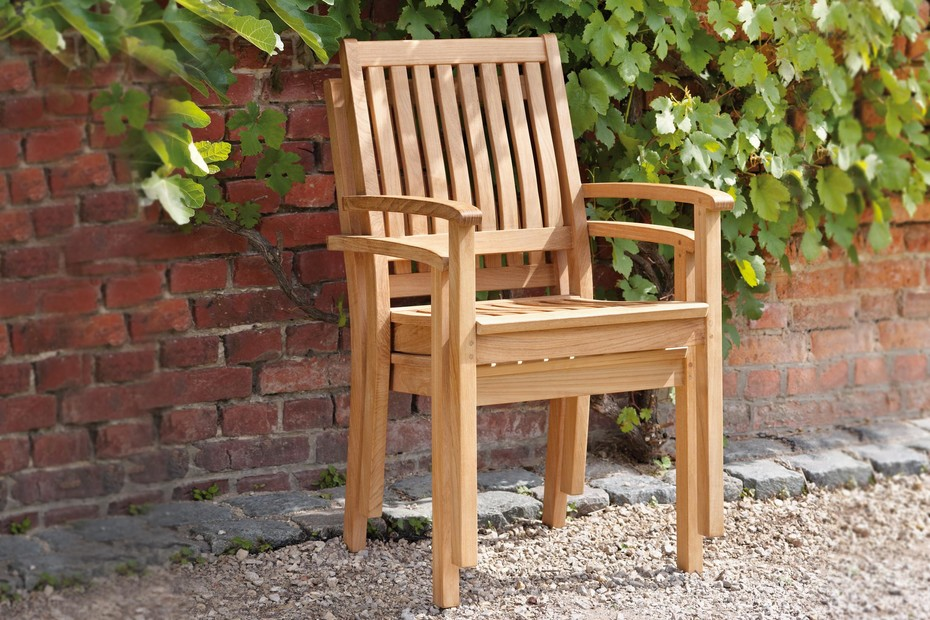 Eaton chair with armrests