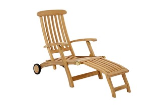 Royal Princess Deck Chair  by  Garpa