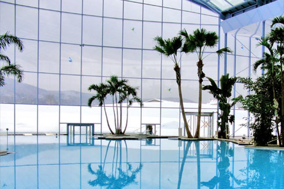 Karusselltur Schwimmbad Schwarzwald Titisee Neustadt Von Geze Stylepark