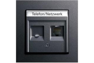 E2 Telefon-/ Netzwerkanschlussdose  von  Gira