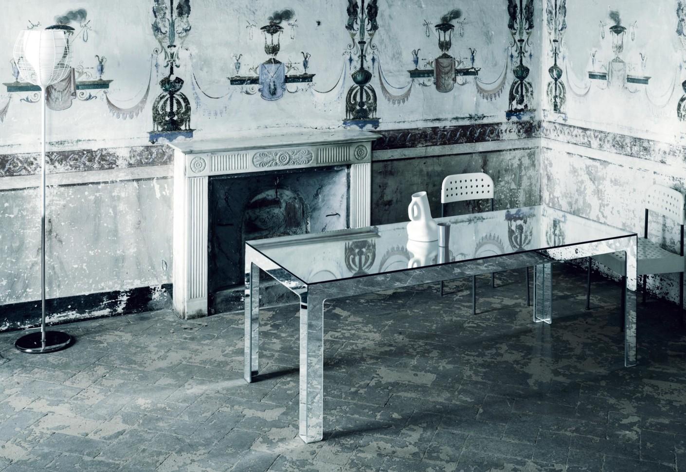 Mirror Mirror dining table by GLAS ITALIA STYLEPARK