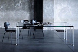 Pipeline high table  by  GLAS ITALIA