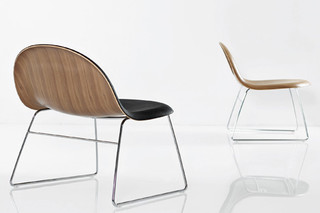 Chair I Lounge  by  Gubi