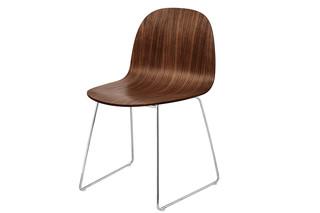 Chair I Kufenstuhl  von  Gubi
