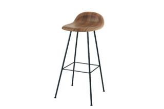 Chair I Stool mit Metallbeinen  von  Gubi