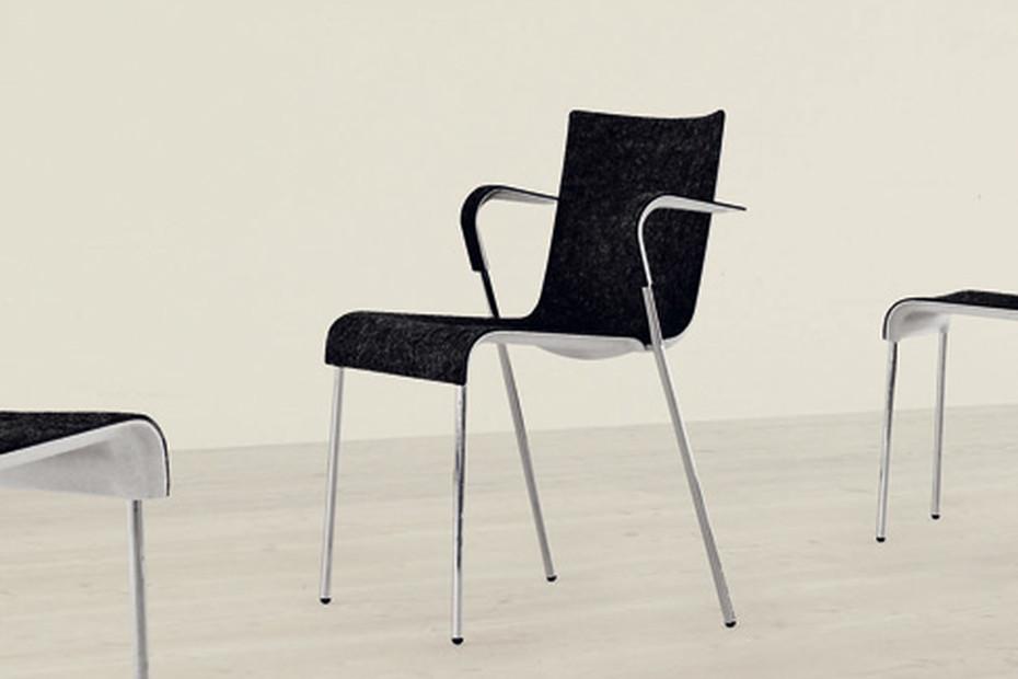 Chair II mit Armlehnen
