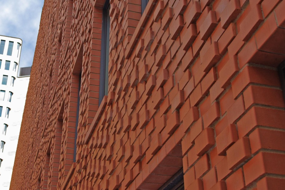 Contour bricks, Hotel H10, Berlin