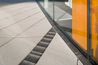 Faserfix®Super KS / Small channels, Porsche museum, Stuttgart  by  Hauraton
