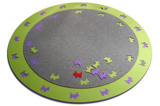 Teppich Bigdot mit Randstanzung  von  HEY-SIGN