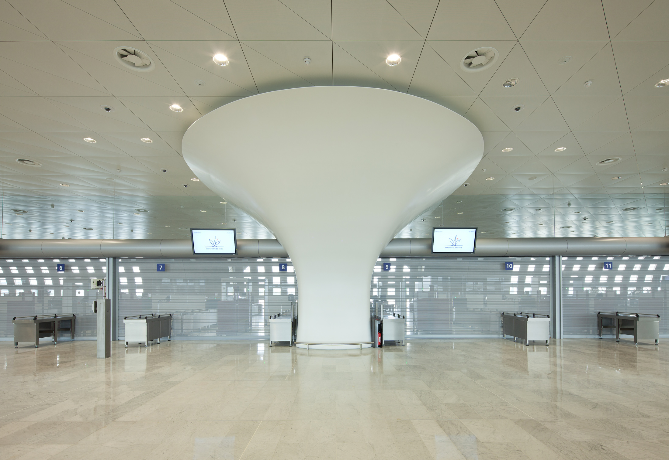 Clads Terminal 2f Charles De Gaulle Airport Paris By Hi Macs Relay 3 Cdg