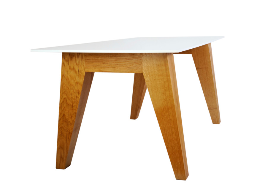 Om 1.0 Table