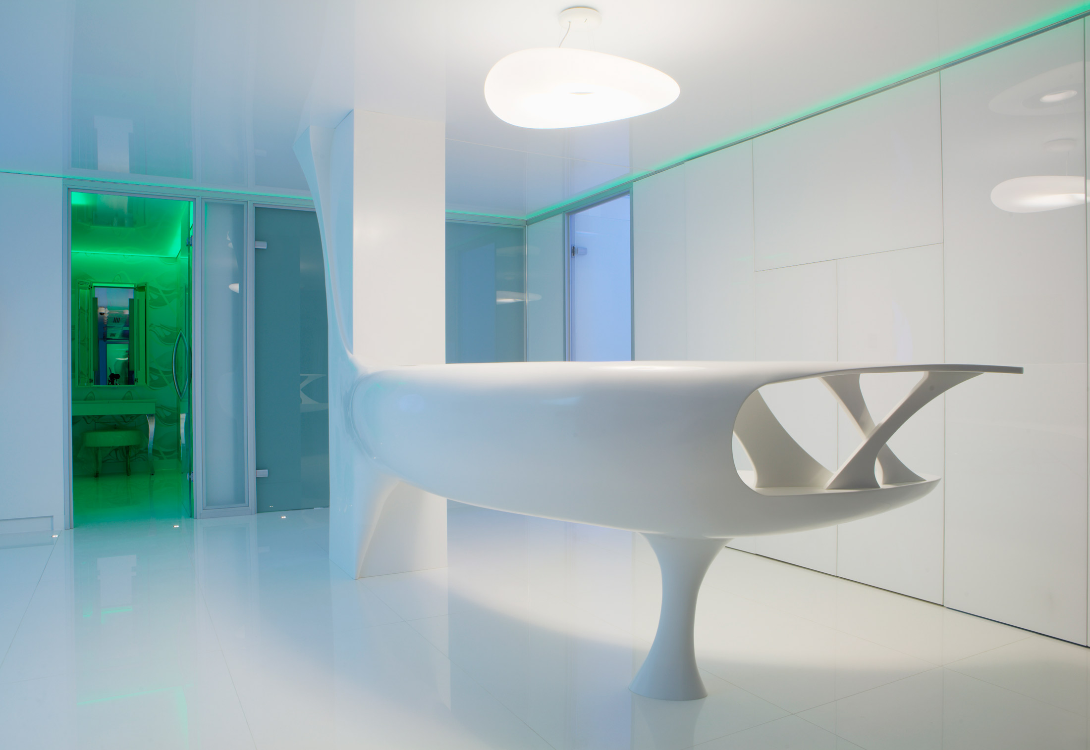 Solid Alpine White, Beauty clinic, Bukarest by HI-MACS® | STYLEPARK