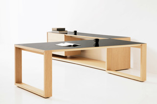 Nexta desk  by  Hodema