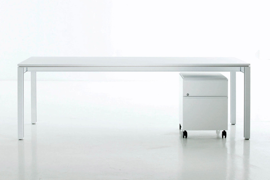 Plana+ Schreibtisch