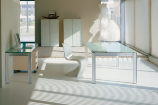 Plana glass table  by  Hodema