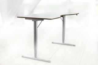 Fri desk  by  Horreds
