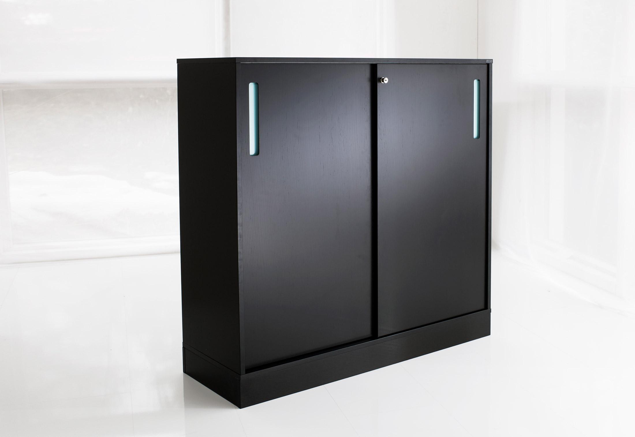 nomono schrank von horreds stylepark. Black Bedroom Furniture Sets. Home Design Ideas