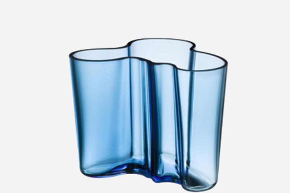 alvar aalto vase medium by iittala stylepark. Black Bedroom Furniture Sets. Home Design Ideas