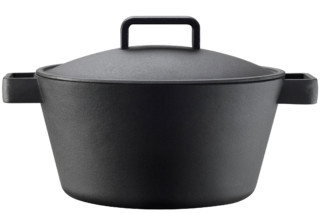 Tools large iron pot  by  Iittala