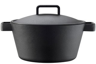 Tools large iron pot  by  Iittala