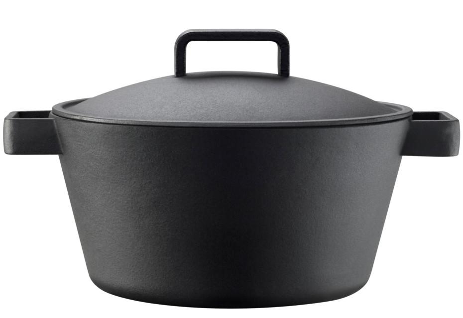 Tools large iron pot