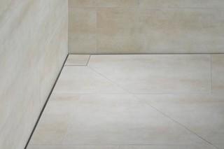 Bodenebenes Duschsystem Poresta Slot  von  illbruck