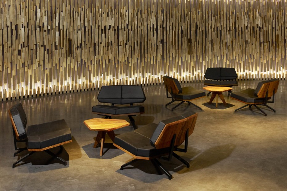 Shanghai lounge chair