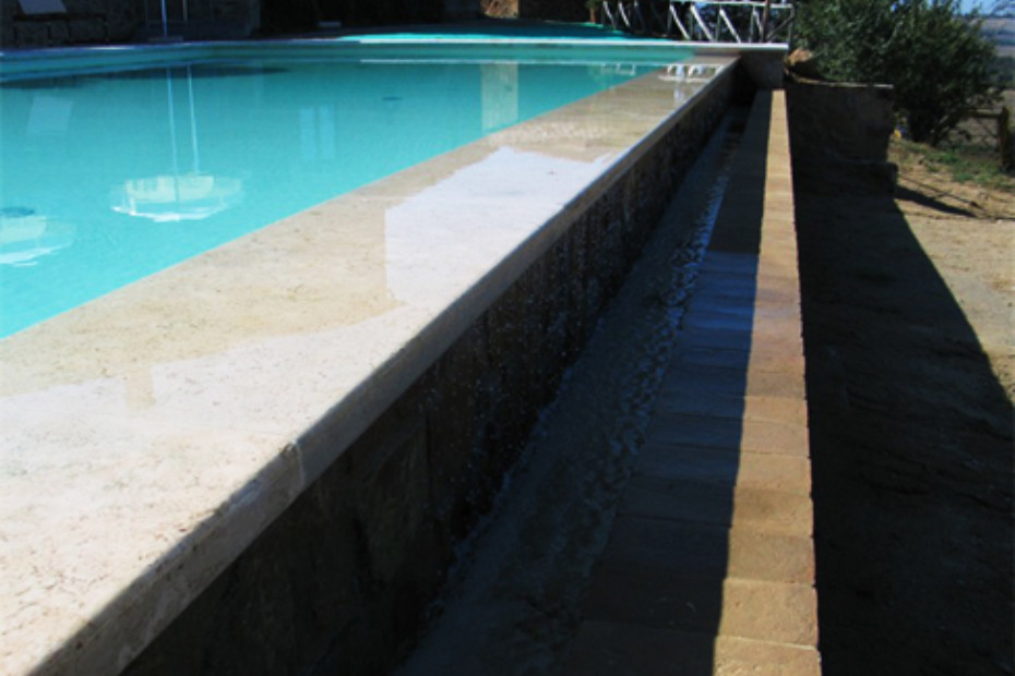 Overflow Swimming Pool Coated In Sand Colored Pvc By