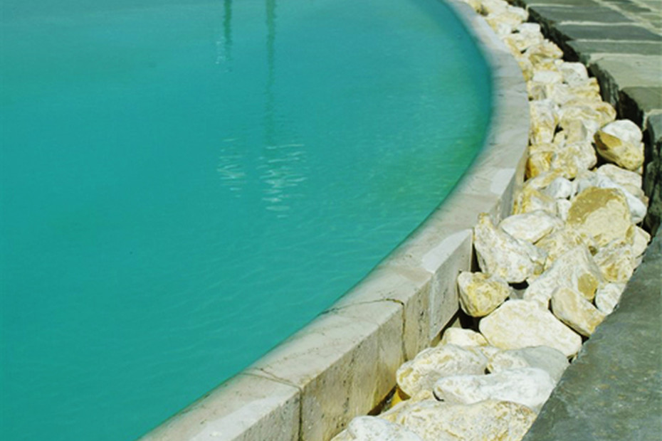 Swimming pool with pebble beach
