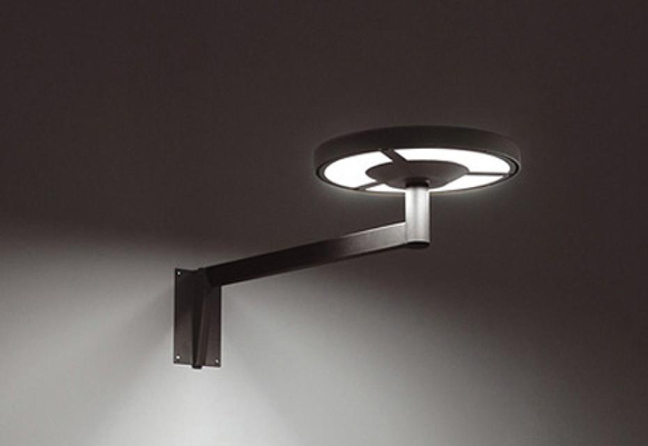 tau BW70 Wall light