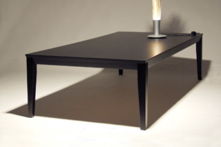 C.D. TABLE low  by  inno