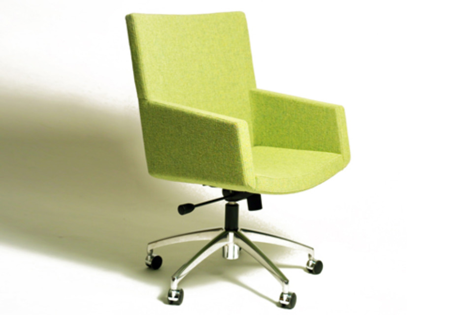 SELECT LARGO with armrests