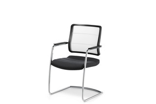 AirPad cantilever chair  by  Interstuhl