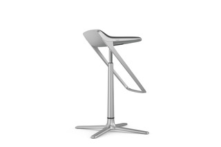 KINETICis5 bar stool with foot rest  by  Interstuhl