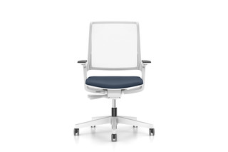 MOVYis3 swivel chair  by  Interstuhl