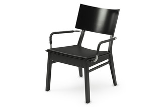 GUTE easychair with armrests  by  Källemo