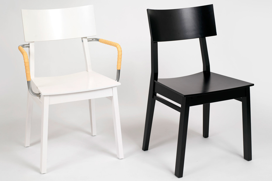 GUTE easychair with armrests