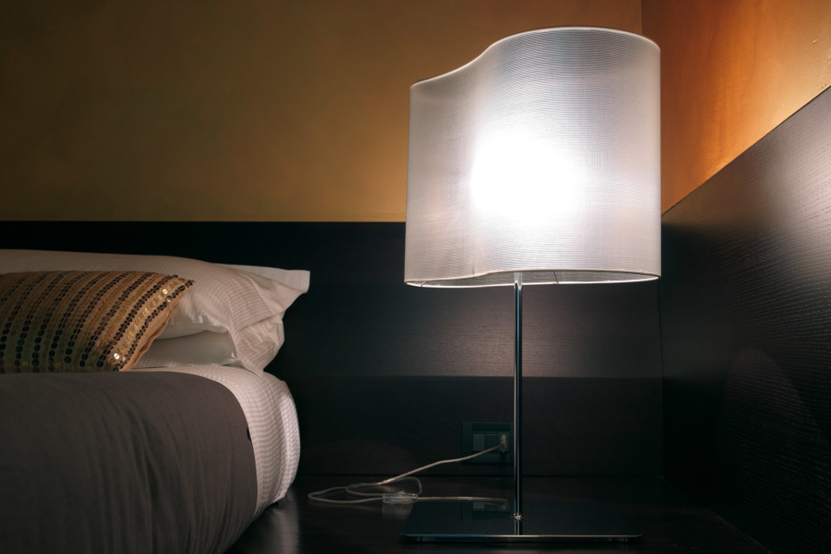 Peggy table lamp