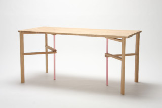 A Frame Table  von  Karimoku New Standard