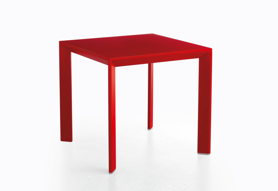 CHAMFER dining table